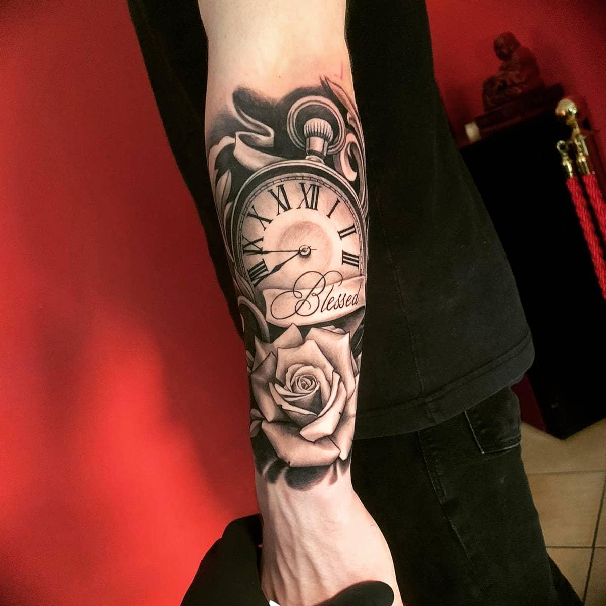 Tattoo verliert Schorf und sieht zu hell aus